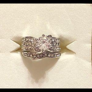 Sterling silver white topaz wedding set sz 5 🎁